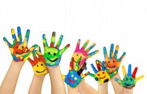 manos-pintadas-niños-700x448-300x192